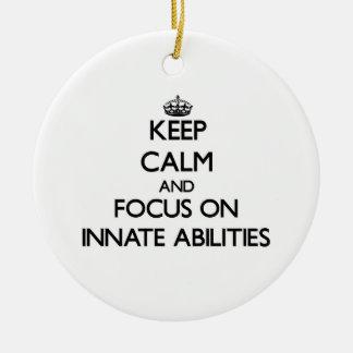 Guarde la calma y el foco en capacidades naturales adornos de navidad