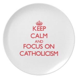 Guarde la calma y el foco en catolicismo plato de comida