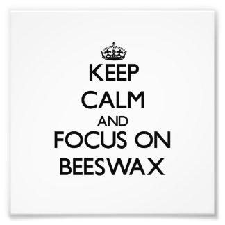Guarde la calma y el foco en cera de abejas
