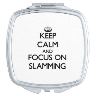 Guarde la calma y el foco en cerrarse de golpe espejos para el bolso