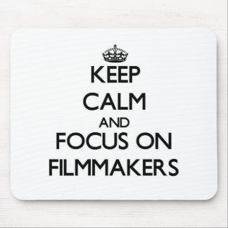 Guarde la calma y el foco en cineastas alfombrilla de ratón