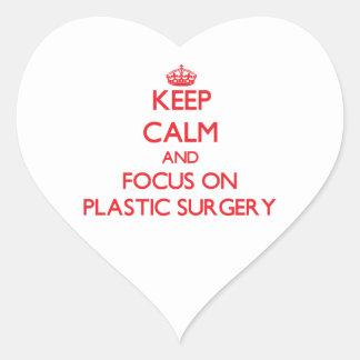 Guarde la calma y el foco en cirugía plástica pegatina corazón