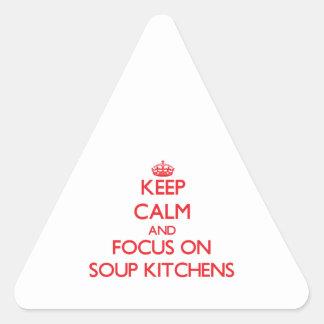 Guarde la calma y el foco en comedores colcomanias trianguladas