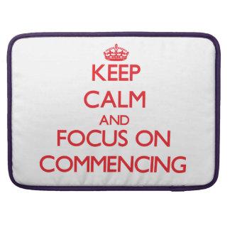 Guarde la calma y el foco en comenzar funda macbook pro