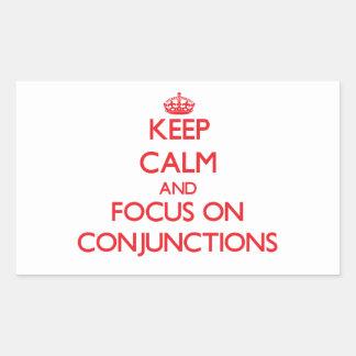 Guarde la calma y el foco en conjunciones rectangular pegatina