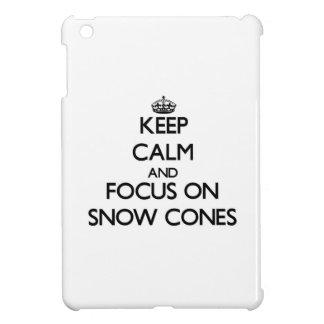 Guarde la calma y el foco en conos de la nieve