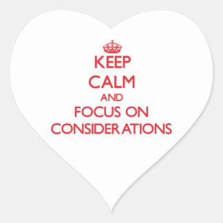 Guarde la calma y el foco en consideraciones calcomanía corazón personalizadas