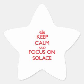Guarde la calma y el foco en consuelo pegatina en forma de estrella