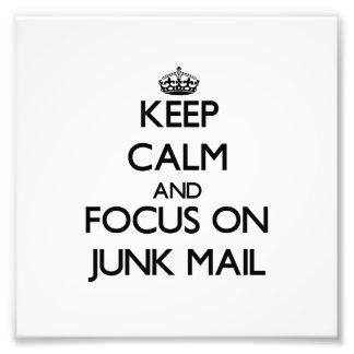 Guarde la calma y el foco en correo basura impresiones fotográficas