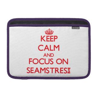 Guarde la calma y el foco en costurera fundas para macbook air