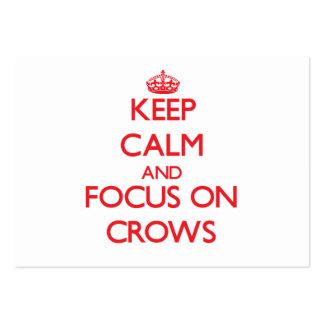 Guarde la calma y el foco en cuervos tarjetas de visita