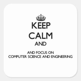 Guarde la calma y el foco en de informática y el pegatina cuadrada