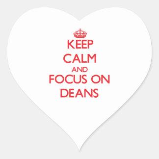 Guarde la calma y el foco en decanos calcomania corazon personalizadas