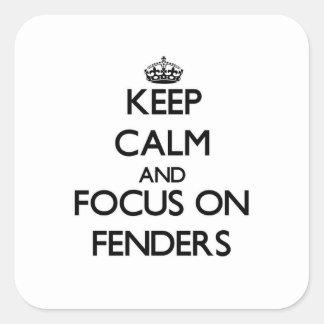 Guarde la calma y el foco en defensas calcomanías cuadradas personalizadas