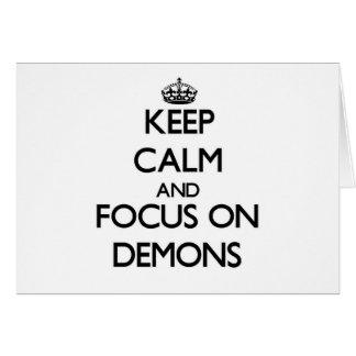 Guarde la calma y el foco en demonios tarjeta pequeña