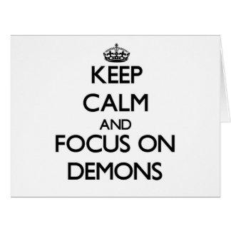 Guarde la calma y el foco en demonios tarjeta de felicitación grande