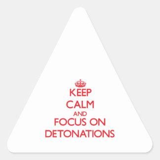 Guarde la calma y el foco en detonaciones pegatina triangular