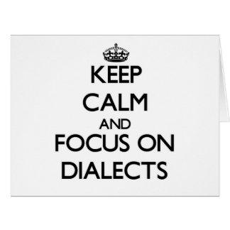Guarde la calma y el foco en dialectos tarjeta de felicitación grande