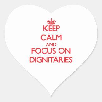 Guarde la calma y el foco en dignatarios colcomanias de corazon personalizadas