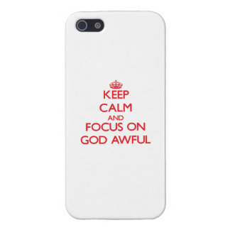 Guarde la calma y el foco en dios tremendo iPhone 5 carcasa