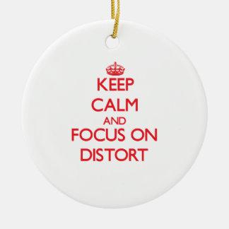 Guarde la calma y el foco en Distort Ornamentos De Navidad
