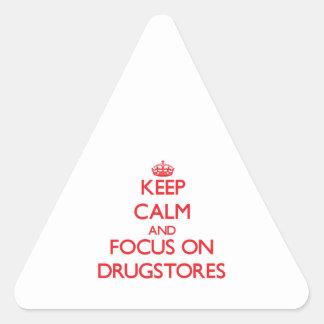 Guarde la calma y el foco en droguerías pegatina triangular