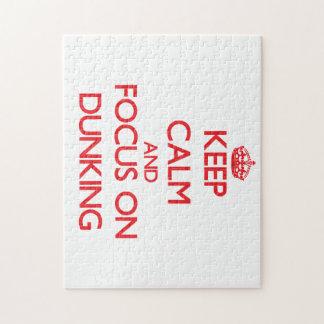 Guarde la calma y el foco en Dunking Rompecabeza