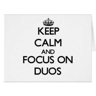 Guarde la calma y el foco en dúos tarjetón