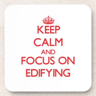 Guarde la calma y el foco en EDIFYING Posavasos