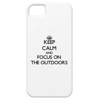 Guarde la calma y el foco en el aire libre iPhone 5 carcasa