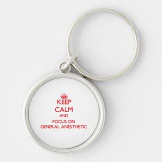 Guarde la calma y el foco en el anestésico general llavero redondo plateado
