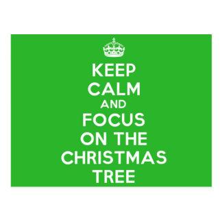 Guarde la calma y el foco en el árbol de navidad, postales