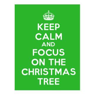 Guarde la calma y el foco en el árbol de navidad, tarjetas postales
