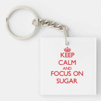 Guarde la calma y el foco en el azúcar llavero cuadrado acrílico a una cara