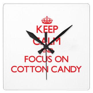 Guarde la calma y el foco en el caramelo de algodó reloj