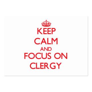 Guarde la calma y el foco en el clero tarjetas de visita grandes