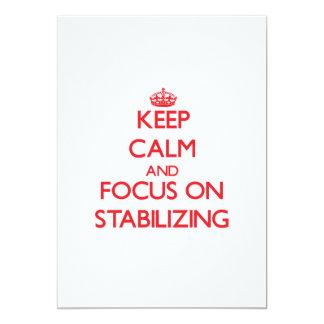 """Guarde la calma y el foco en el estabilizador invitación 5"""" x 7"""""""