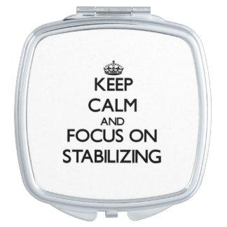 Guarde la calma y el foco en el estabilizador espejo para el bolso