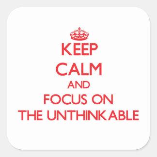 Guarde la calma y el foco en el increíble calcomanía cuadradase