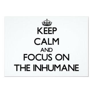 Guarde la calma y el foco en el inhumano invitación 12,7 x 17,8 cm