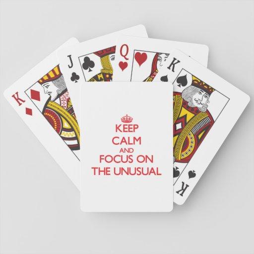 Guarde la calma y el foco en el inusual baraja de cartas