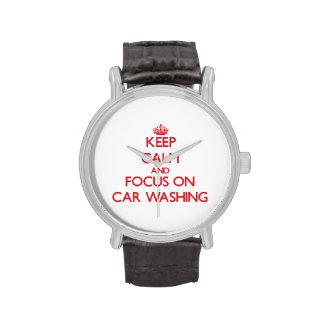 Guarde la calma y el foco en el lavado del coche relojes
