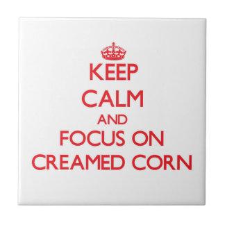 Guarde la calma y el foco en el maíz Creamed Teja Ceramica