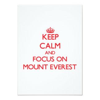 """Guarde la calma y el foco en el monte Everest Invitación 5"""" X 7"""""""