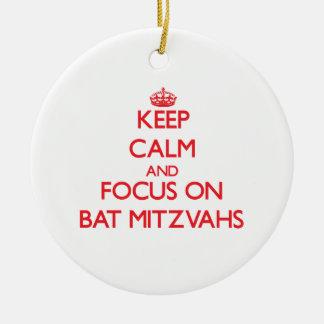 Guarde la calma y el foco en el palo Mitzvahs Ornamentos De Reyes