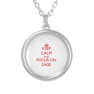 Guarde la calma y el foco en el sabio pendientes personalizados