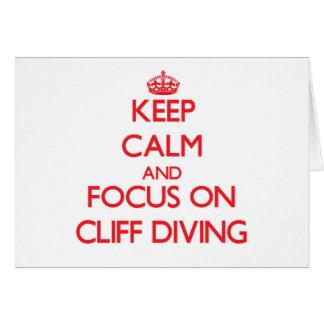 Guarde la calma y el foco en el salto del tarjeta de felicitación