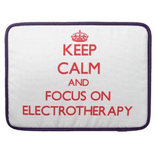 Guarde la calma y el foco en ELECTROTERAPIA Funda Para Macbook Pro