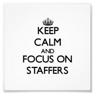 Guarde la calma y el foco en empleados de plantill