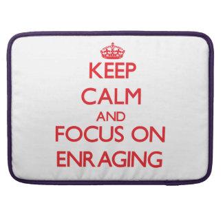 Guarde la calma y el foco en ENFURECER Funda Para Macbooks